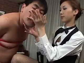 Japanese chubby guy gets CMNF handjob and eats cum from hand
