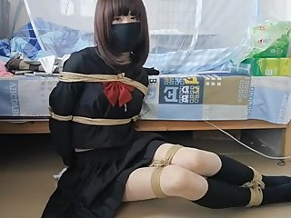 japanese tying herself up