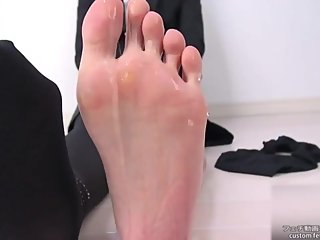 Japanese girl oily sole2