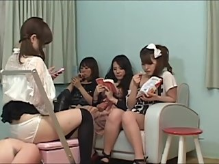 Japanese Hardcore Facesitting-Gangbang with four Girls Part 1